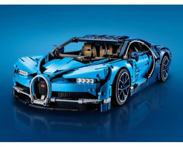 Конструктор LEGO Technic 42083 Bugatti Chiron