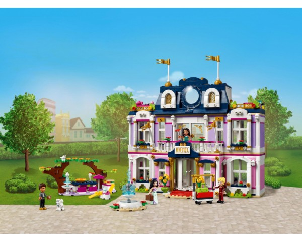 Конструктор LEGO Friends 41684 Гранд-отель Хартлейк Сити